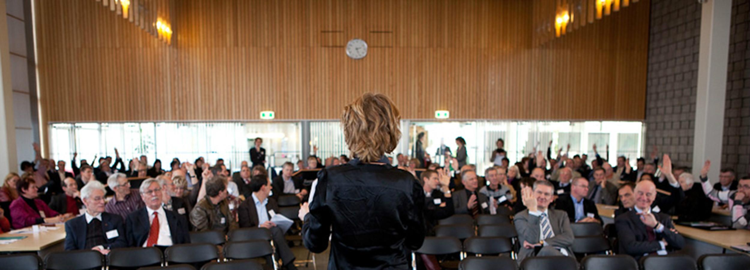 Consultatiebijeenkomst ruimtelijke en economische structuurvisies voor maatschappelijke organisaties en bedrijven.
